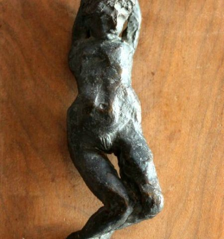 Sculpture – Laying Lady